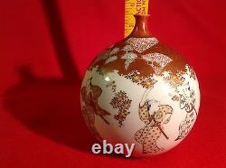 Outstanding RARE Shape Japanese Kutani Bud Vase c1890 Late Meiji Period L@@K