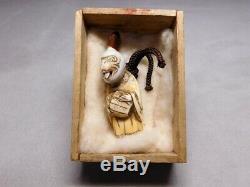 RARE! KARAKURI Gimiicked HIRADO-Ware NETSUKE 19thC Japanese Original Antique Edo