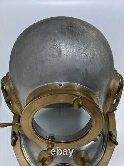 Rare TOA Japanese Diving helmet with diver wet suits FS from Japan mint