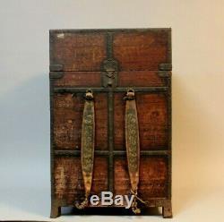 Very rare Samurai Armor box Momoyama-Edo, 16-17th. C W17